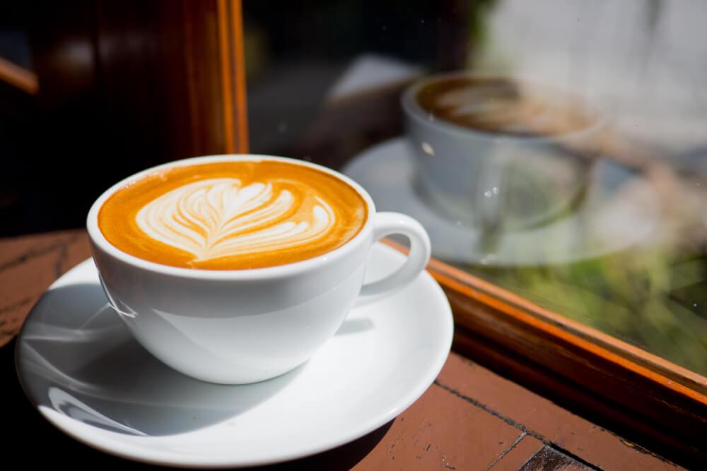 A Latte Art egyszerűen szólva a tej művészi használata. De hogyan lesz belőled is barista művész?